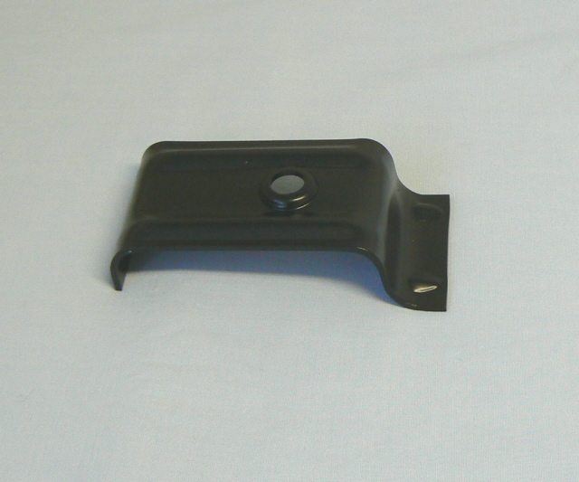 A026B0137Z SEAT CLAMP   (Four per car)